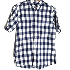 Roundtree & York Short sleeve button down F11